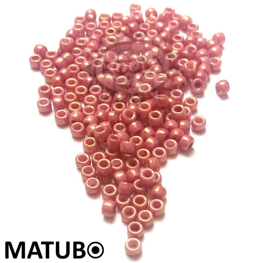 Matubo 7/0 křída rubín listr