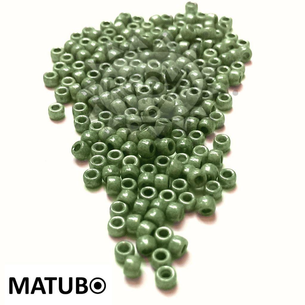 Matubo 7/0 křída zelený listr