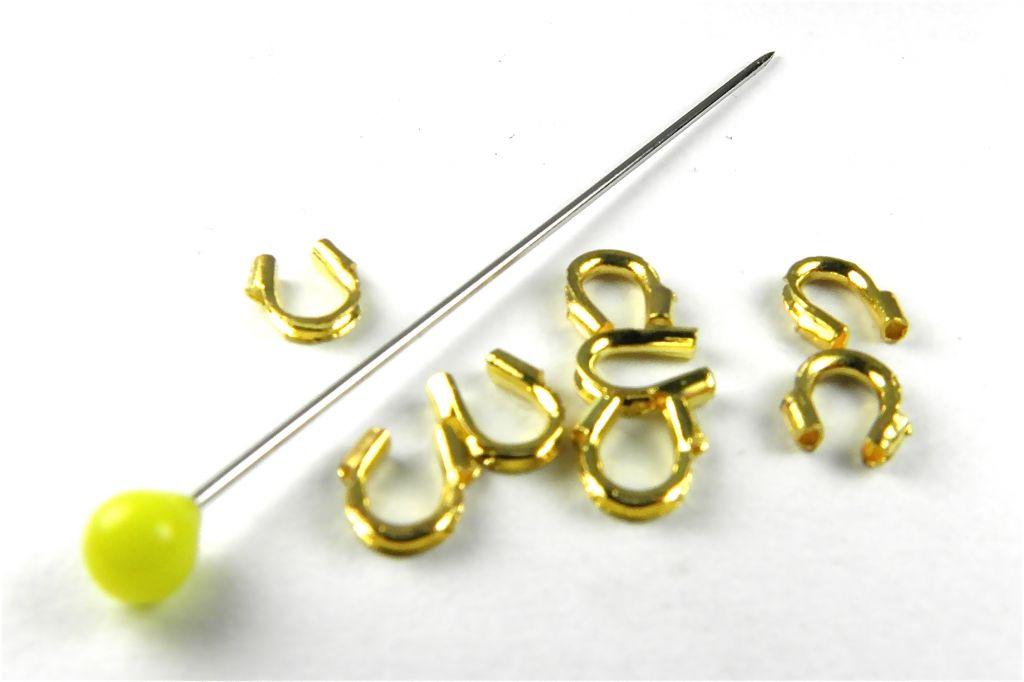 podkůvka barva zlatá