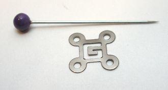 labyrint kovový metal gun