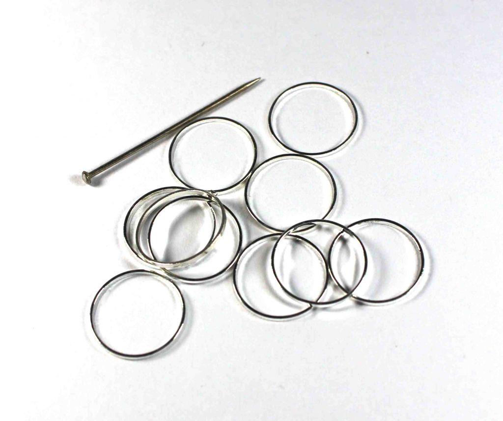 Kroužek nedělený 12 mm postříbřený